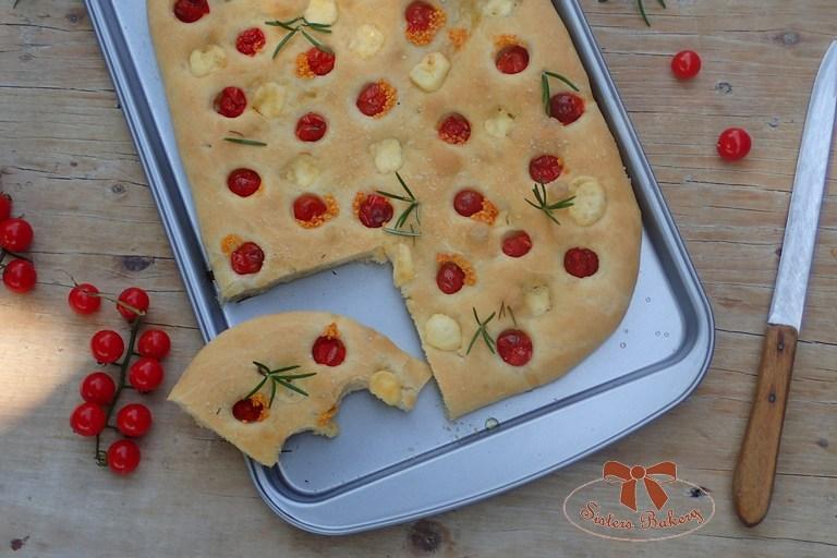 Focaccia – olivový kysutý osúch s rajčinami