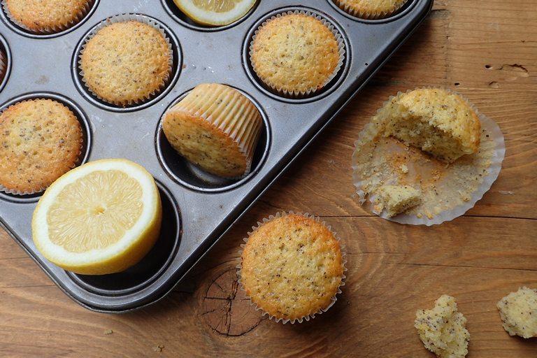 Citrónovo makové muffiny zo špaldovej múky