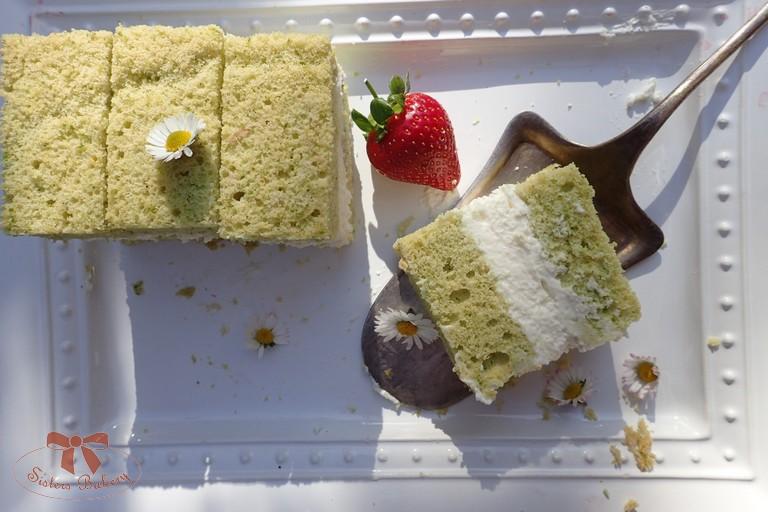 Piškótový koláč na zeleno