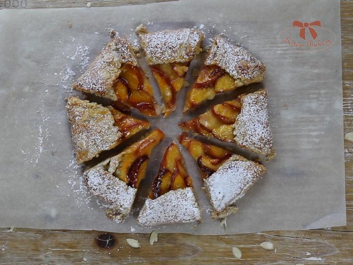 Broskyňová galetka – jednoduchý letný koláč