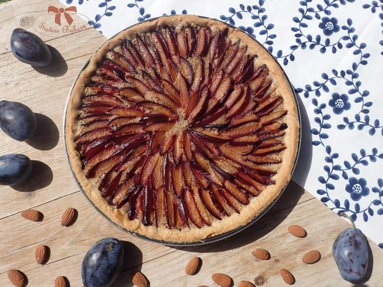 Slivkový koláč s mandľovou plnkou