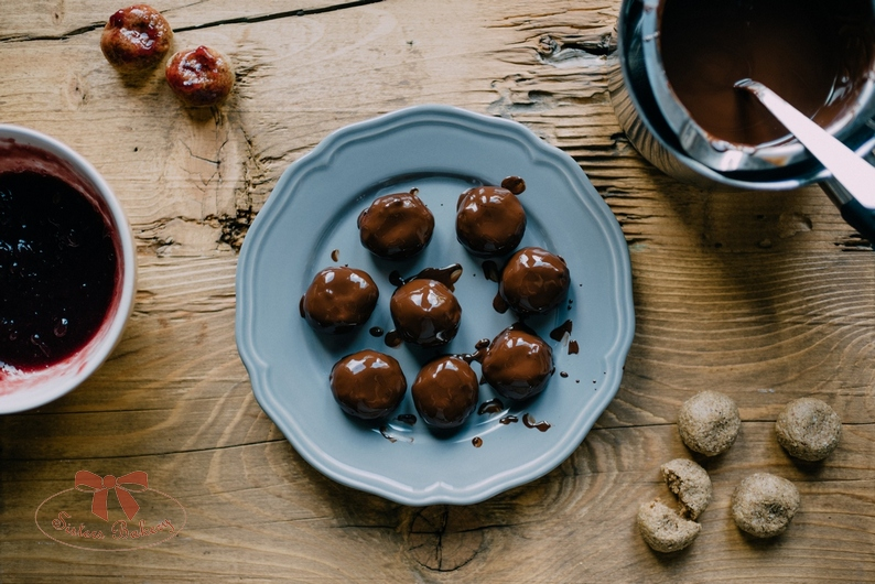 Ražné perníky s horkou čokoládou a lekvárom
