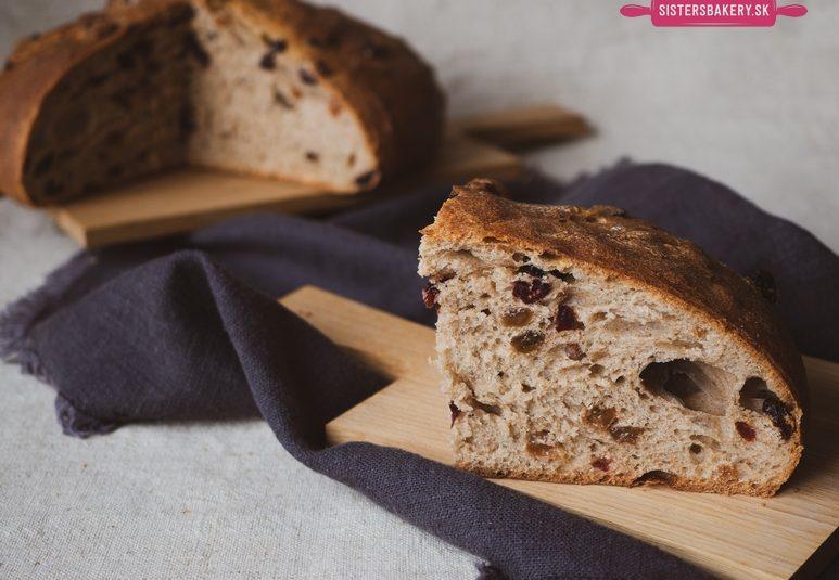 Škoricový chlieb s brusnicami