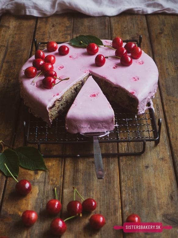 čerešňový koláč s mandľami