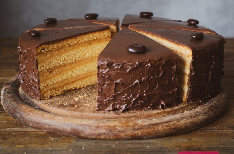 Medová torta s kávovou plnkou