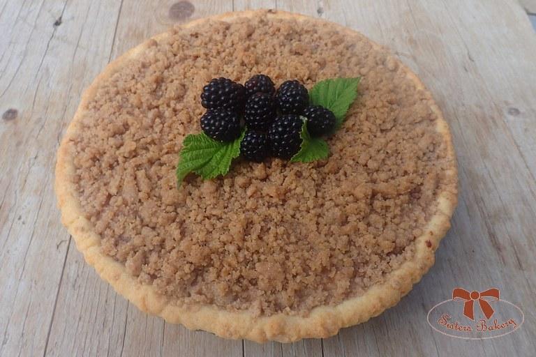 Jablkový koláč s černicami