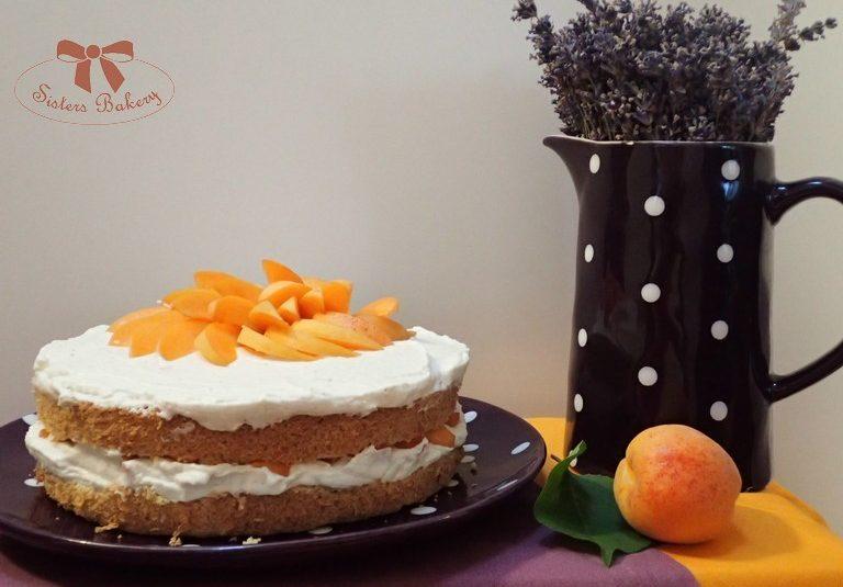 Rýchla piškótová torta s marhuľami