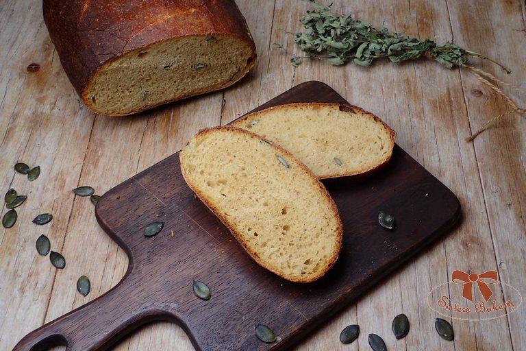 Kváskový chlieb s tekvicou a tekvicovými semiačkami