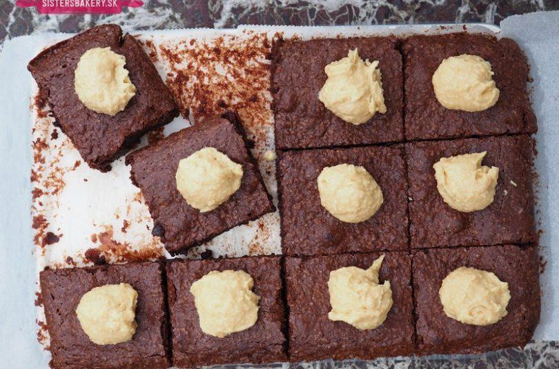 Brownies s arašidovou polevou