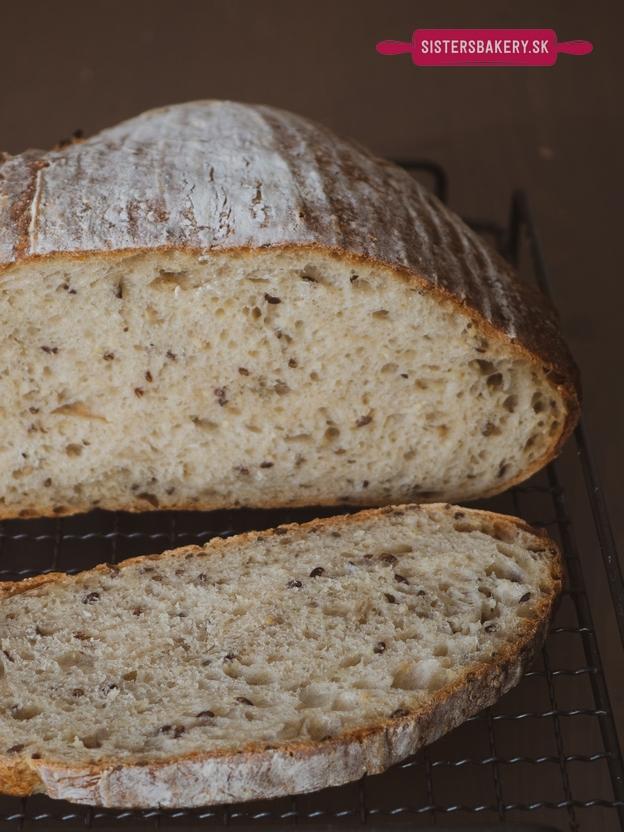 Kváskový semiačkový chlieb