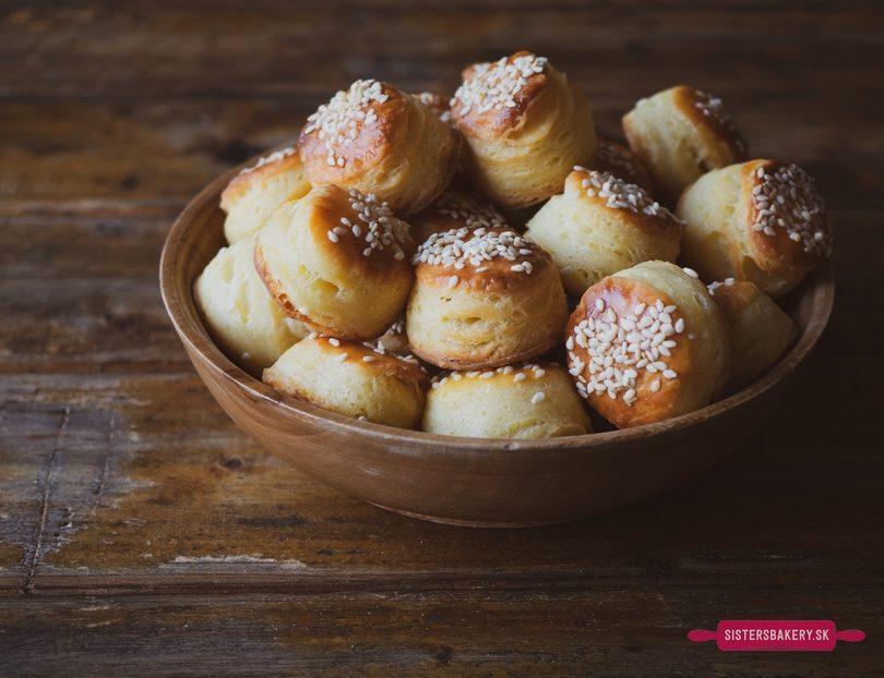 Tvarohové pagáče so syrom a smotanou