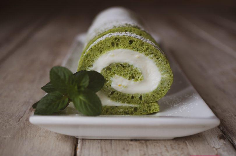 Zelená roláda s tvarohovou plnkou