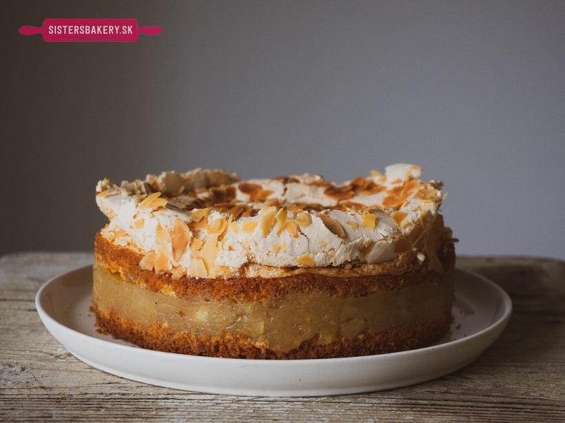 jablkový koláč s bielkovou penou